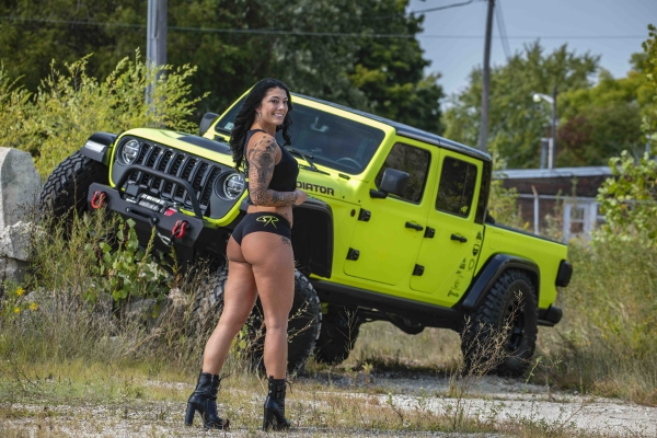 Lex Virella for ShockerRacing Girls with the Neon Gladiator JT