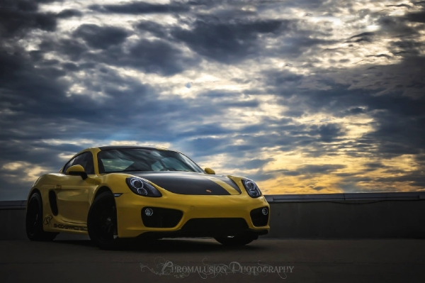 Porsche Cayman 981 Racing Yellow ShockerRacing